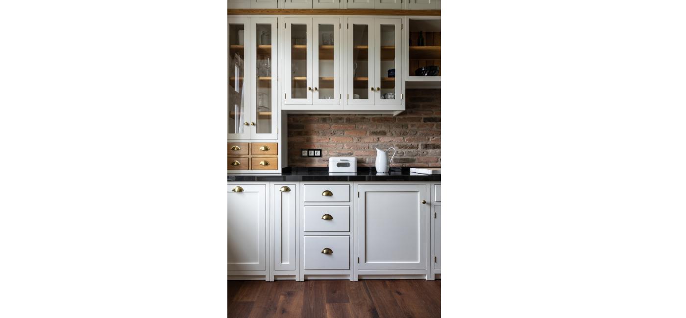 white kitchen 22