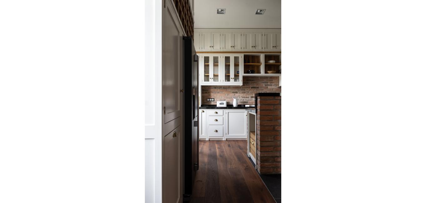 white kitchen 23