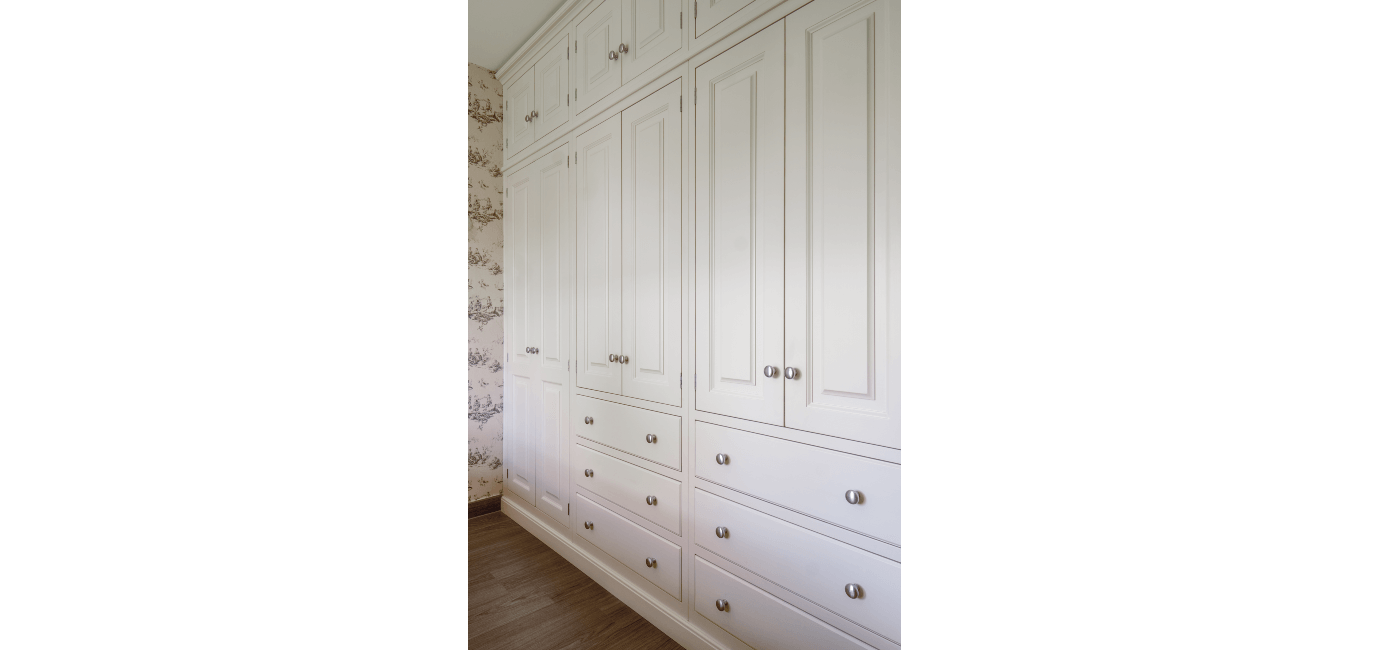 white wardrobe 18a